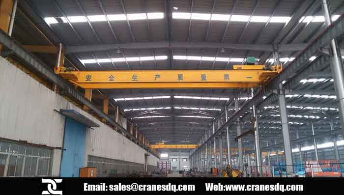 Double trolley floor operated crane