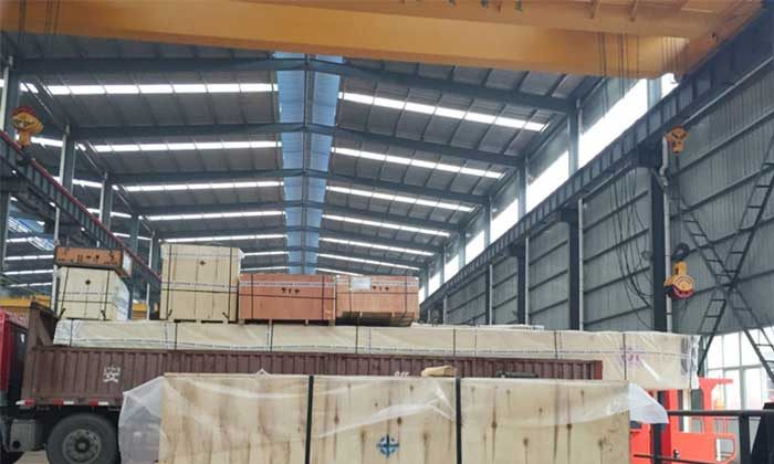 Overhead crane system for steel structure