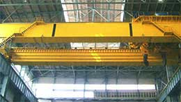 Overhead crane for metallurgical